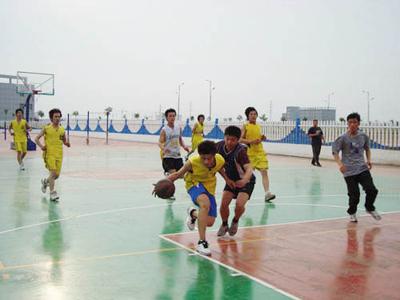 组织的篮球比赛.jpg