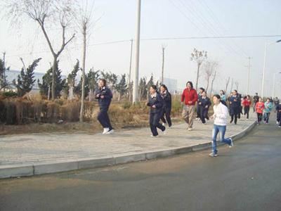 公司组织的冬季长跑比赛、.jpg